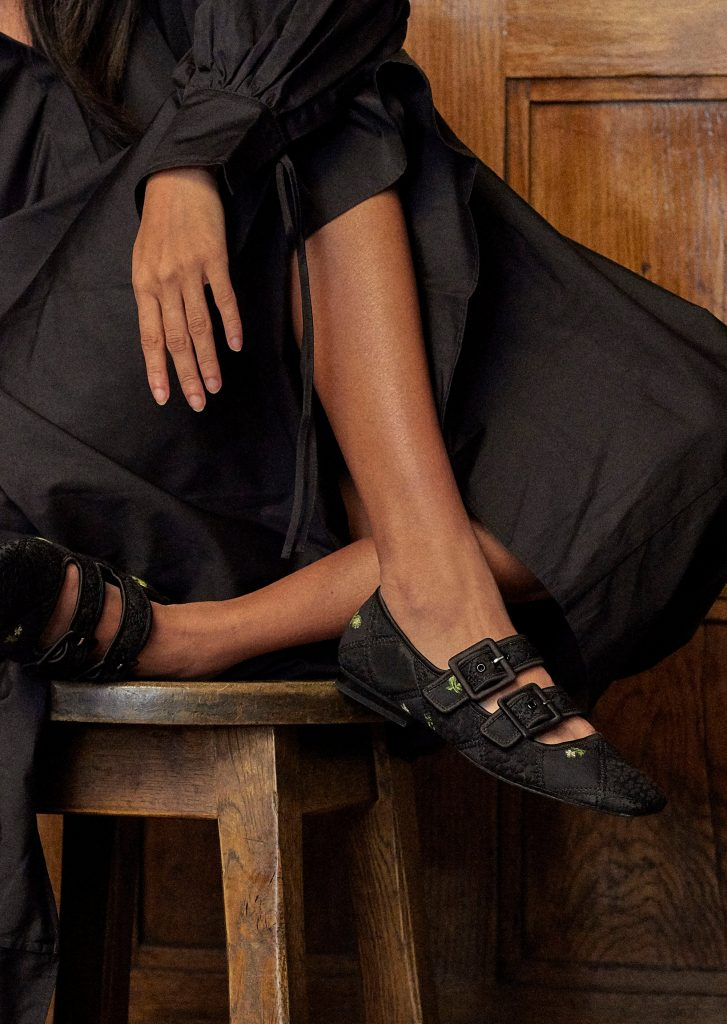 5inchandup-cecilie-bahnsen-charles-keith-black-shoes
