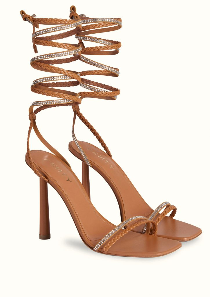5inchandup-rihanna-fenty-amina-muaddi-brown-sandals