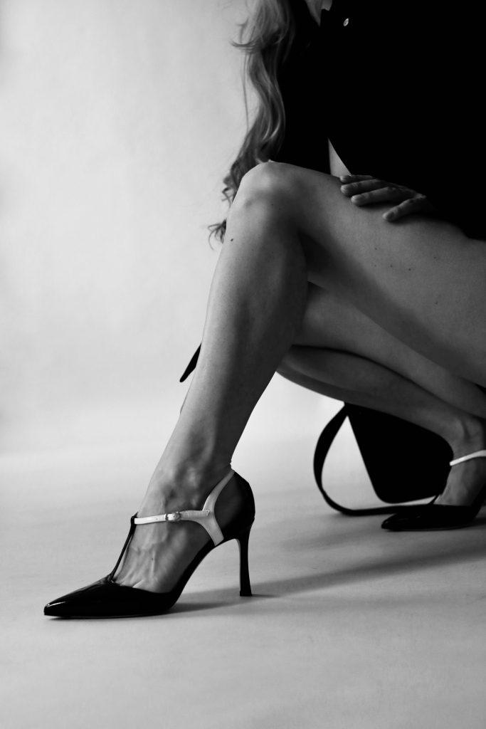 5inchandup-minimal-bw-heels