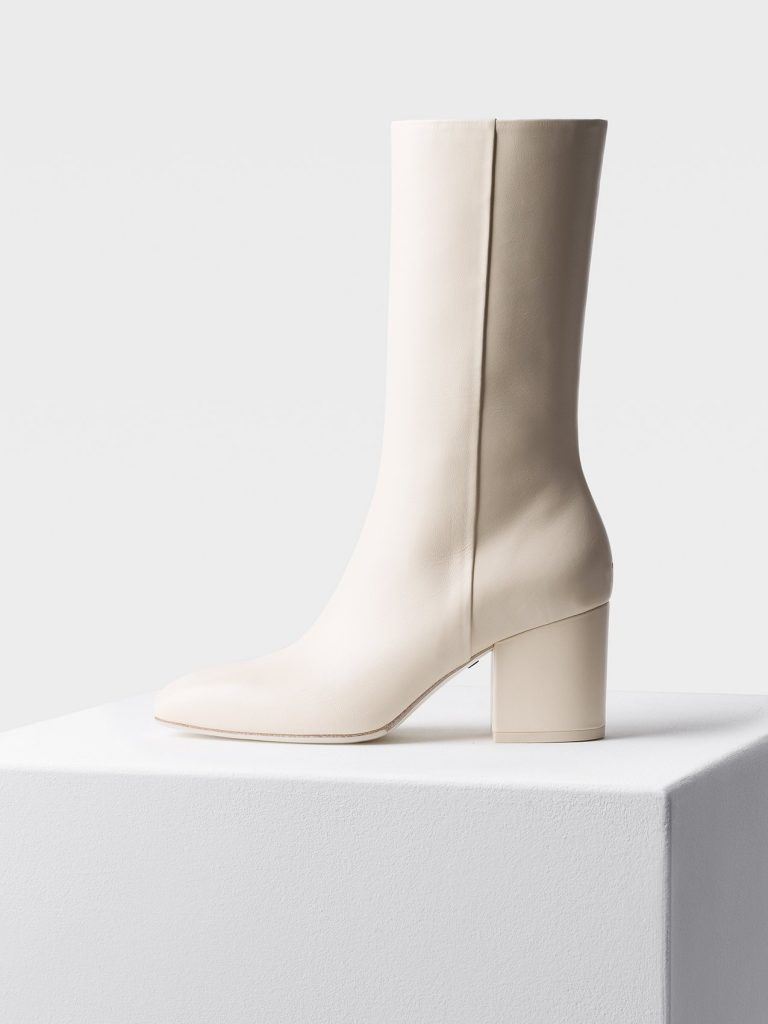 aaeyde white boots